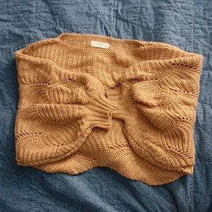 Wing-sleeved Stylish Sweater